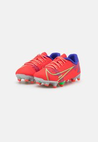 Nike Performance - JR MERCURIAL VAPOR 14 ACADEMY FG/MG UNISEX - Moulded stud football boots - bright crimson/metallic silver - 1