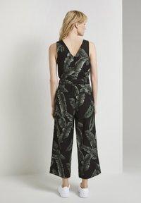 mine to five TOM TAILOR - Jumpsuit - black tropical leaves design - 2