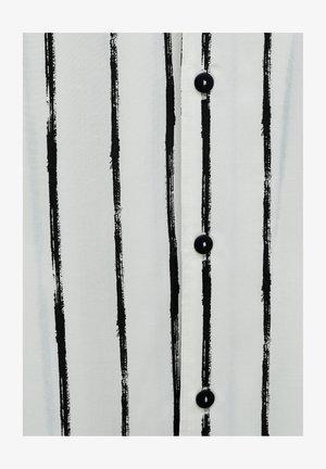 MIT UNREGELMÄSSIGEM STREIFENPRINT - Camicia - off-white