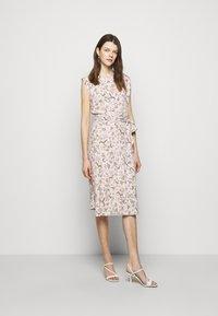 Lauren Ralph Lauren - VILODIE CAP SLEEVE CASUAL DRESS - Vardagsklänning - pink multi - 1