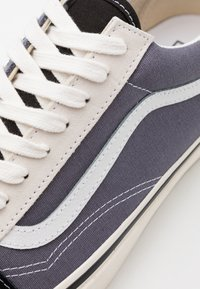 Vans - ANAHEIM OLD SKOOL 36 DX UNISEX - Skateboardové boty - dark grey/offwhite/black - 5