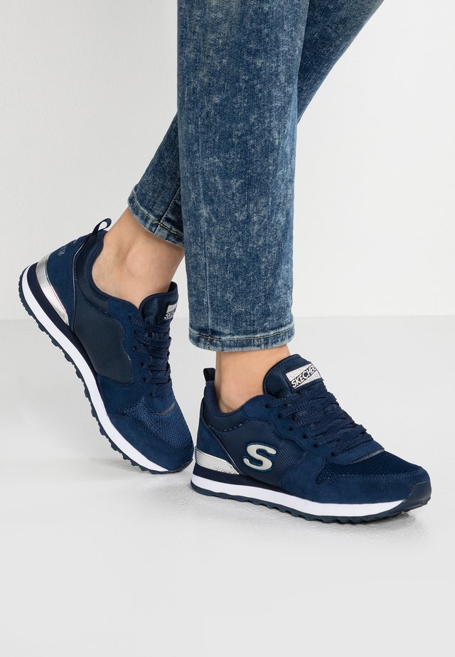 EXCLUSIVE - Sneakers laag - navy