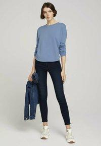 TOM TAILOR DENIM - Sweatshirt - soft mid blue - 1
