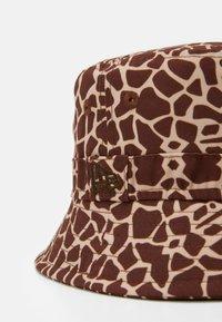 New Era - GIRAFFE BUCKET KIDS - Klobouk - light brown - 2