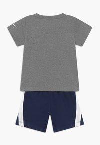 Nike Sportswear - BABY SET - Short - midnight navy - 1