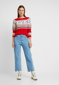 Dorothy Perkins - FAIRISLE TINSEL PENGUIN - Maglione - red - 1