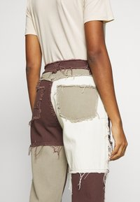 Jaded London - PATCHWORK  BOYFRIEND FIT WITH FRAYED SEAMS - Jeans relaxed fit - brown - 3