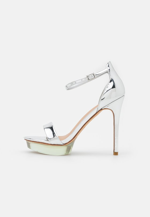 FELAWEN - Sandales à plateforme - silver