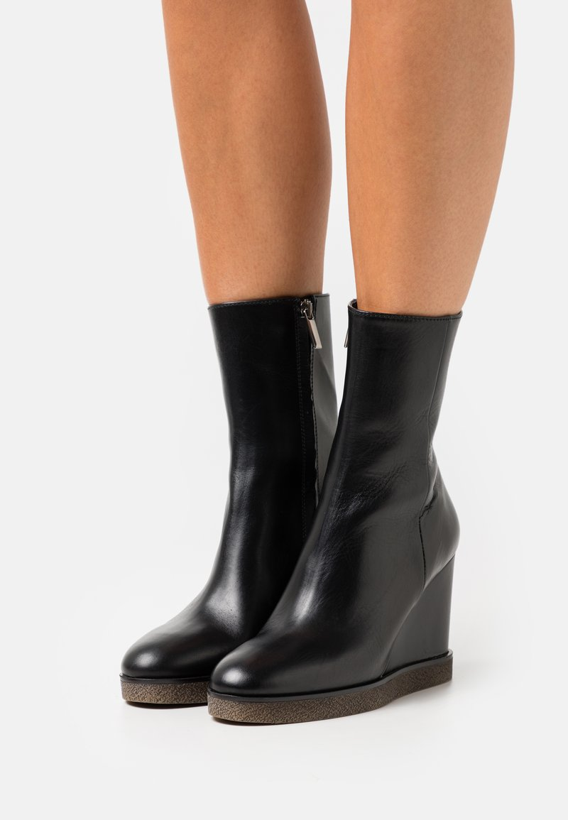 Bianca Di - Wedge Ankle Boots - nero