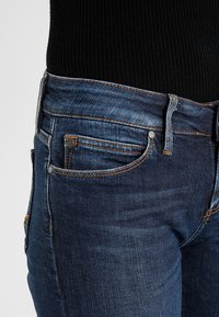 Tommy Hilfiger - MILAN - Slim fit jeans - absolute blue - 3