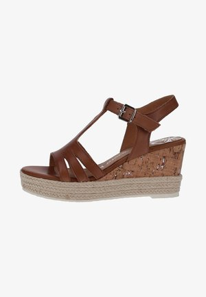 Wedge sandals - brown