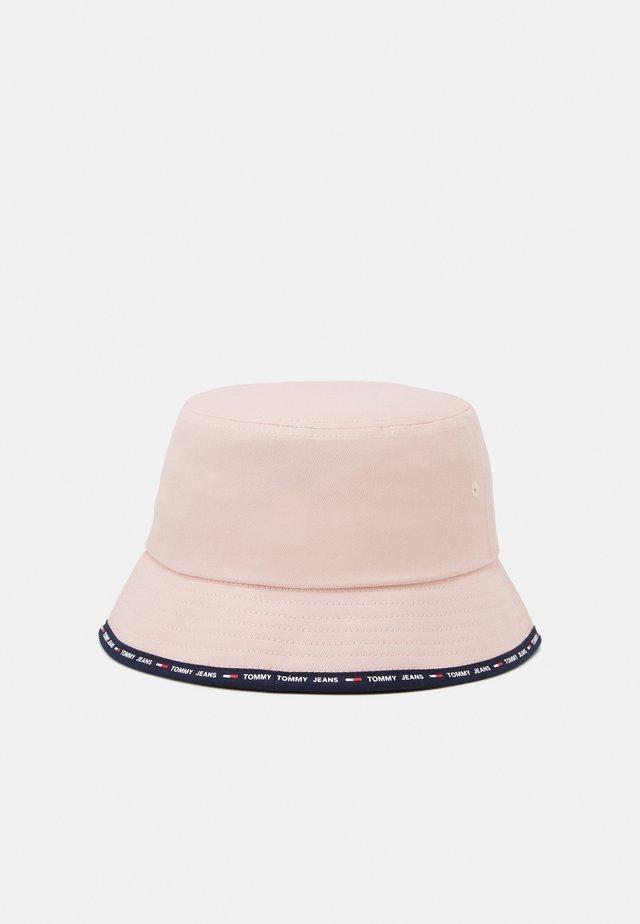SPORT BUCKET SHAPE - Klobouk - delicate pink