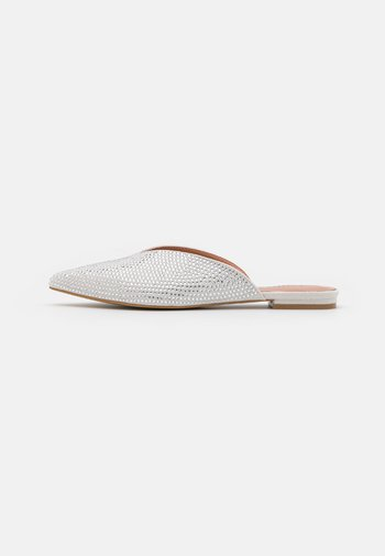 A PUNTA FULL STRASS - Mules - crystal