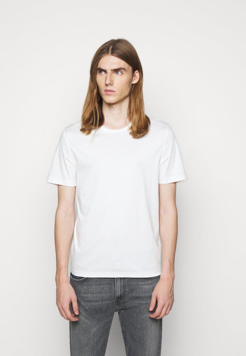 Tiger of Sweden - OLAF - Basic T-shirt - gardenia