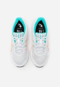 ASICS - GEL-CONTEND - Zapatillas de running neutras - polar shade/sun coral - 3