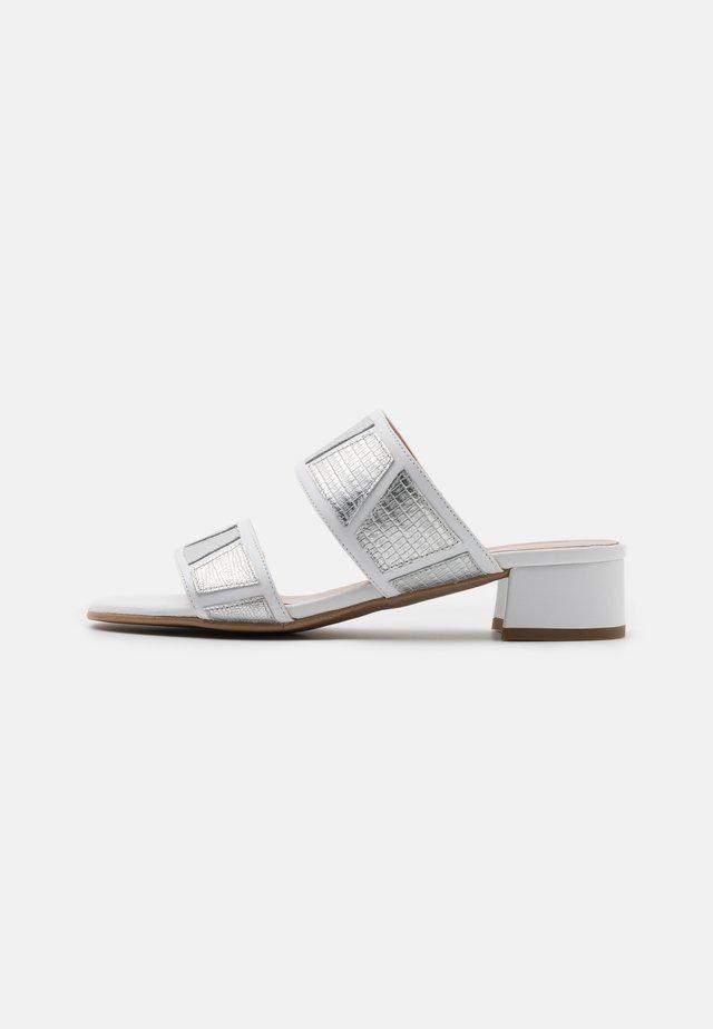 ZOE NEW - Sandaler - silver/white