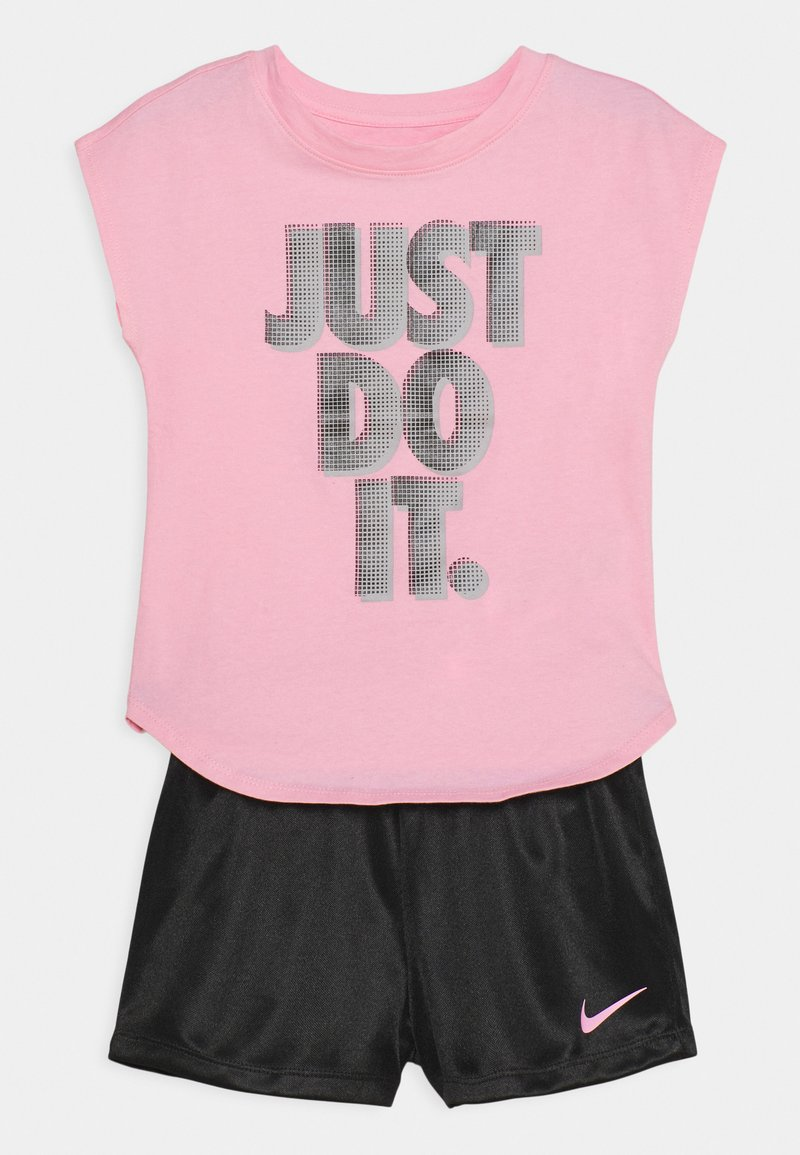 Nike Sportswear - GRAPHIC SET - Camiseta estampada - black