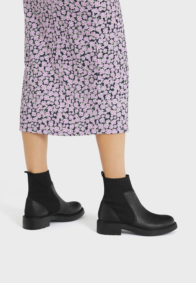 Bershka - MIT SOCK - Kotníkové boty - black
