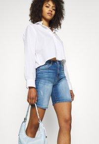 ONLY - ONLPAOLA LIFE - Denim shorts - blue denim - 3