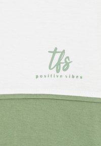 Tiffosi - ASHANTI - Print T-shirt - green - 2