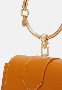 LYDC London - Handbag - camel - 3
