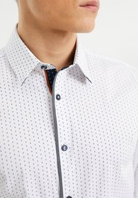 WE Fashion - SLIM FIT  - Overhemd - all-over print - 3