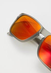 Oakley - HOLBROOK - Sunglasses - matte grey ink - 2