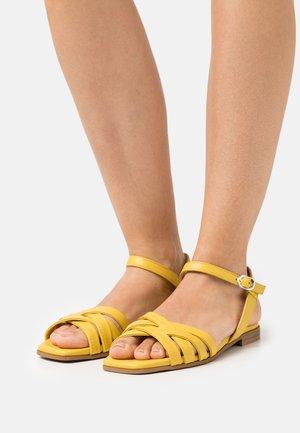 Sandals - ceylon yellow