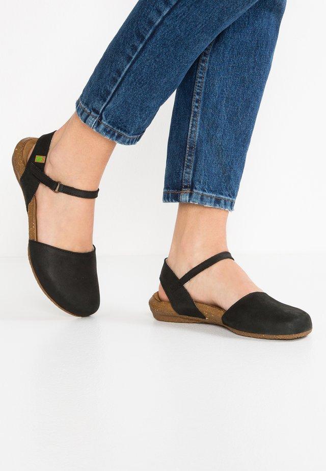 WAKATAUA - Sandaalit nilkkaremmillä - black