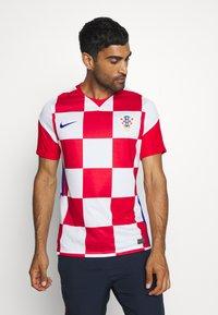 Nike Performance - KROATIEN CRO - Vereinsmannschaften - white/university red/bright blue - 0