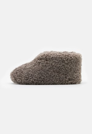 ULLA  - Slippers - stone