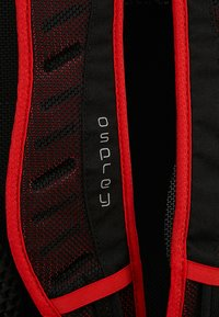 Osprey - SYNCRO 12 - Tursekk - firebelly red - 6