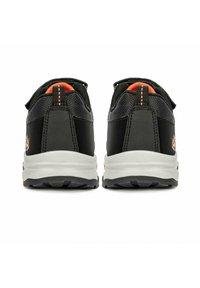 Lumberjack - Sneakers basse - black - 2
