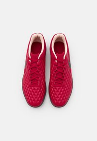 Nike Performance - TIEMPO LEGEND 8 CLUB IC - Indoor football boots - cardinal red/black/crimson tint/white - 3
