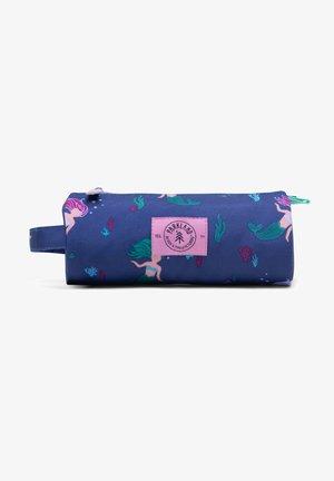 HIGHFIELD  - Pencil case - mermaids