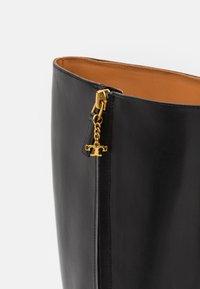 Tory Burch - SQUARE TOE BOOT - Vysoká obuv - perfect black - 3