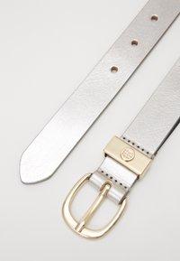 Tommy Hilfiger - OVAL BUCKLE BELT - Belt - silver - 1