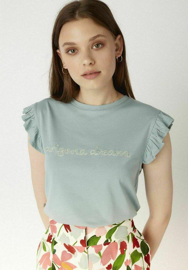 AD0 TEE RHNT - Print T-shirt - blue