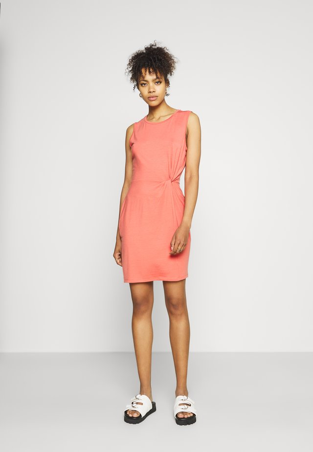 VMKIANA DRESS - Vestido ligero - spiced coral