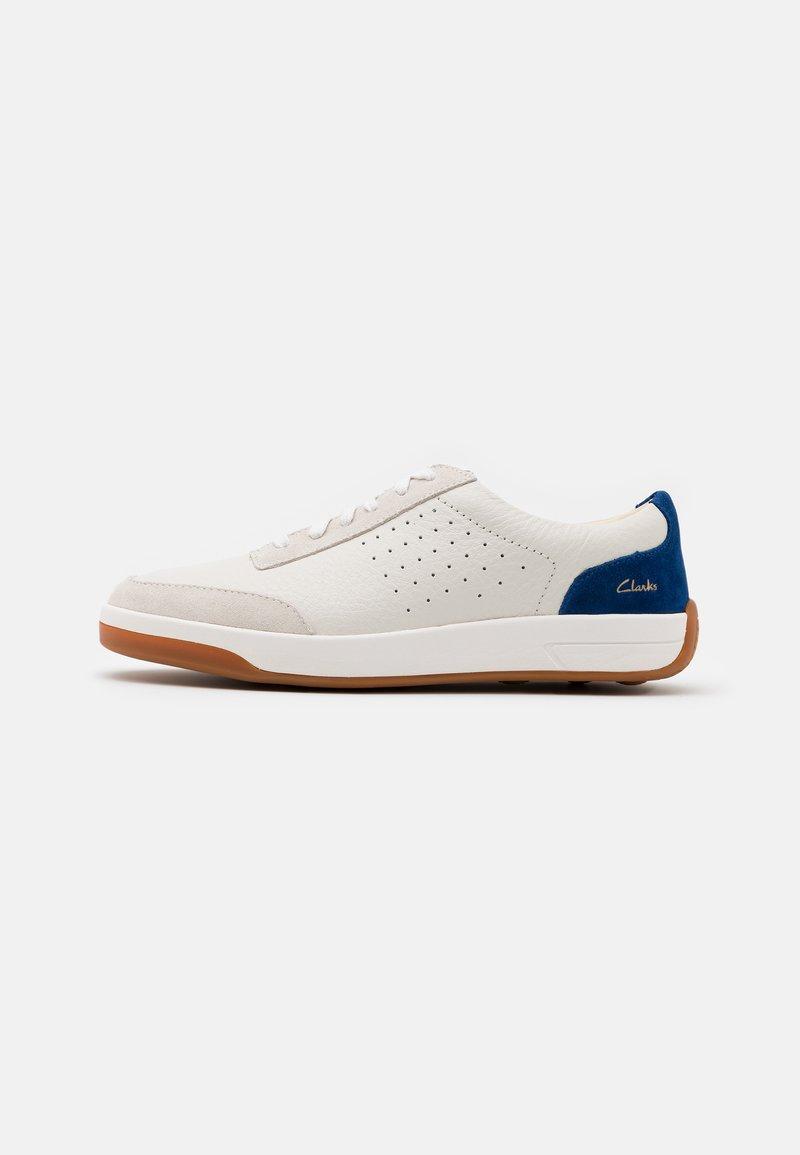 Clarks - HERO AIR LACE - Zapatillas - white/blue