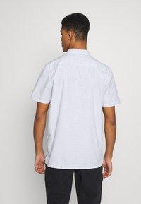 Vans - DEVON  - Hemd - white - 2