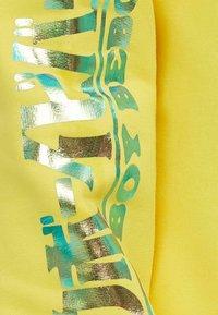 Bershka - Bluza z kapturem - yellow - 4