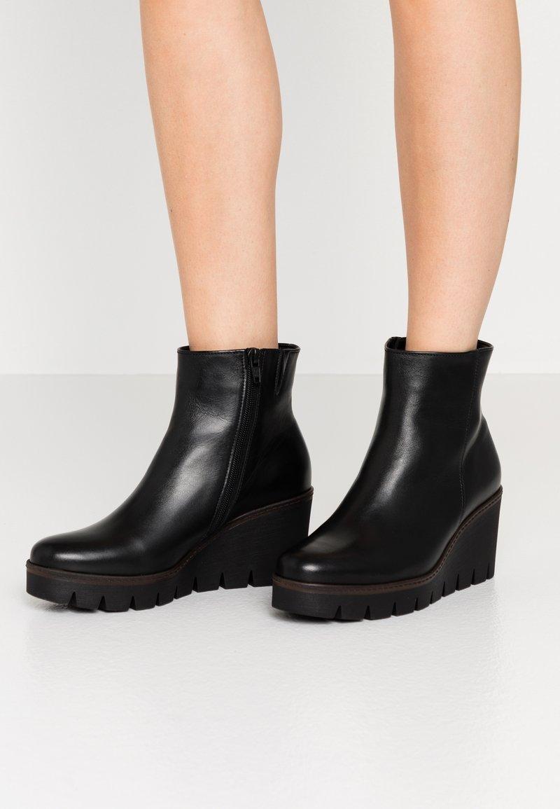 Gabor - Ankle boots - schwarz