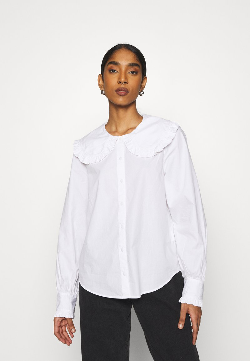 Monki - MADDY BLOUSE - Button-down blouse - white light