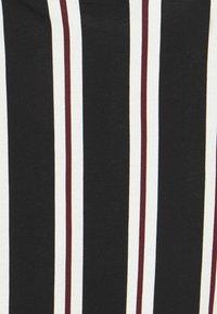 Burton Menswear London - 2 PACK - T-shirt print - white - 7