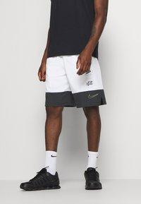 Nike Performance - SHORT - Korte broeken - white - 0