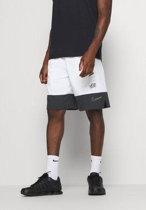 SHORT - Pantalón corto de deporte - white