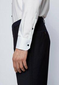 BOSS - GORAX - Camicia elegante - white - 4