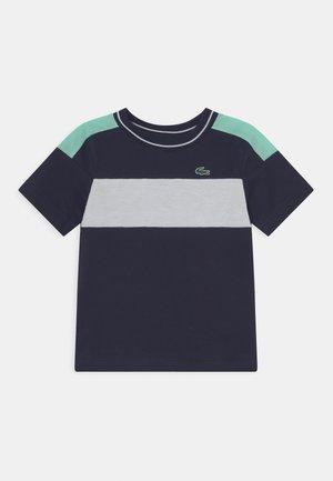 TENNIS UNISEX - Print T-shirt - navy blue/white