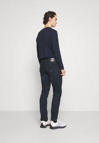 Tommy Jeans - SCANTON SLIM - Slim fit jeans - midnight extra dark blue - 2